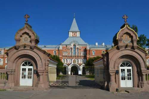 средняя зарплата переводчика английского языка в москве и других городах россии в 2019 году
